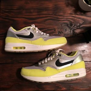 Nike Air Max Neon & Metallic: Like New Condition